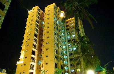 Gallery Cover Image of 1205 Sq.ft 3 BHK Apartment for buy in Kanakia Samarpan, Borivali East for 20000000