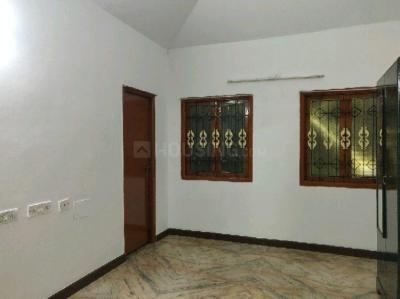 Gallery Cover Image of 1850 Sq.ft 3 BHK Villa for rent in Manapakkam for 30000