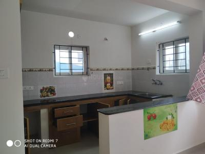 Gallery Cover Image of 1200 Sq.ft 3 BHK Apartment for rent in Sholinganallur for 17000