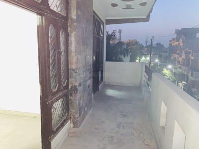 Gallery Cover Image of 450 Sq.ft 2 BHK Independent Floor for rent in Govindpuram for 8000