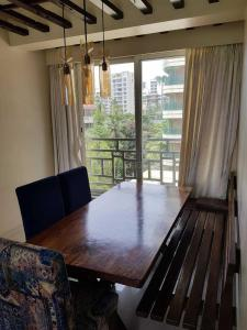 Gallery Cover Image of 900 Sq.ft 2 BHK Apartment for rent in Khar West for 130000