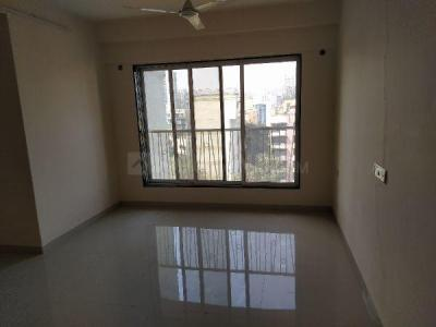 Gallery Cover Image of 680 Sq.ft 1 BHK Apartment for rent in Borivali East for 24000