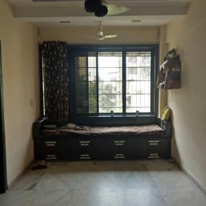 Gallery Cover Image of 850 Sq.ft 2 BHK Apartment for rent in Dahisar East for 27000