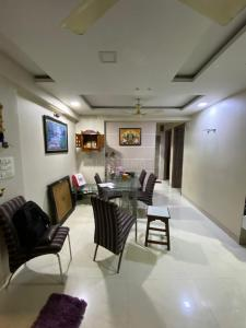 Gallery Cover Image of 1000 Sq.ft 2 BHK Apartment for buy in Kandivali East for 17000000