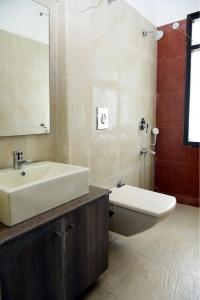 Bathroom Image of Nirvana Rooms PG in Sector 45