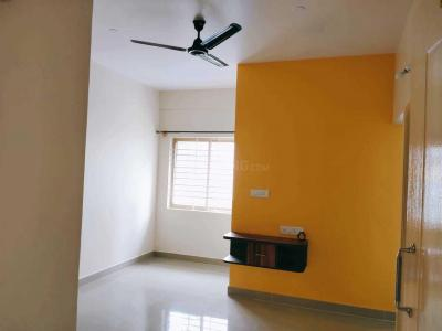 Gallery Cover Image of 1200 Sq.ft 2 BHK Apartment for rent in Murugeshpalya for 24000