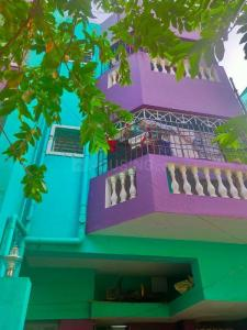 Gallery Cover Image of 700 Sq.ft 2 BHK Apartment for buy in Nesapakkam for 3500000