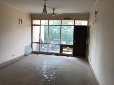 Gallery Cover Image of 2433 Sq.ft 3 BHK Apartment for rent in Sector 31 for 19000