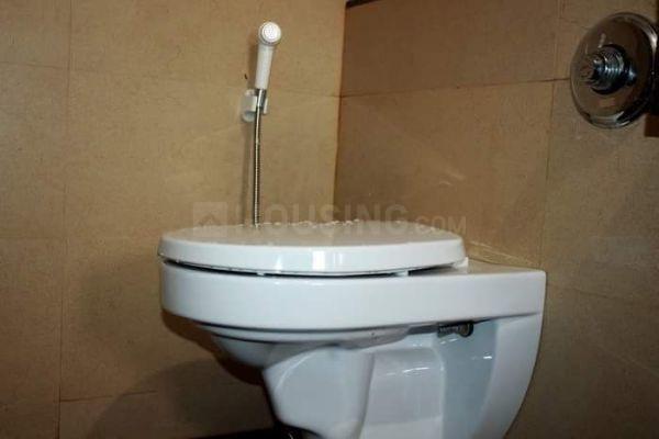पवई में शेया होम्स में बाथरूम की तस्वीर