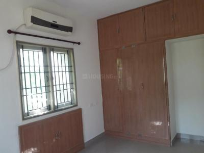 Gallery Cover Image of 1220 Sq.ft 2 BHK Apartment for rent in Velachery for 18000