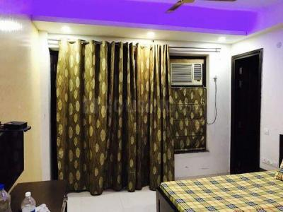 Bedroom Image of Luxurious Rooms For Working Professionals Girls In Sector 45 in Sector 45