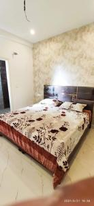 Gallery Cover Image of 1062 Sq.ft 3 BHK Independent Floor for buy in Sector 20 for 3990000