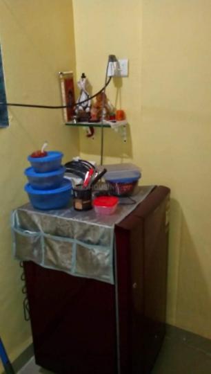 वाशी में स्नेहलता निवास में किचन की तस्वीर