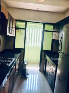 Gallery Cover Image of 800 Sq.ft 2 BHK Apartment for rent in Jogeshwari West for 55000