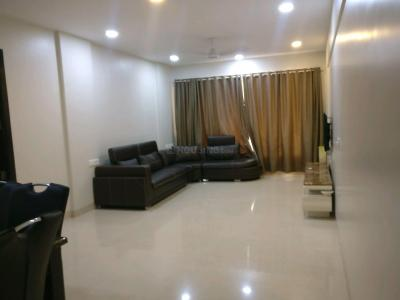 Gallery Cover Image of 2000 Sq.ft 3 BHK Apartment for rent in Khar West for 140000