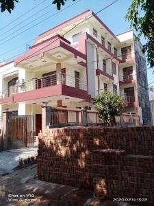 Gallery Cover Image of 12960 Sq.ft 10 BHK Independent House for rent in Sector 47 for 200000