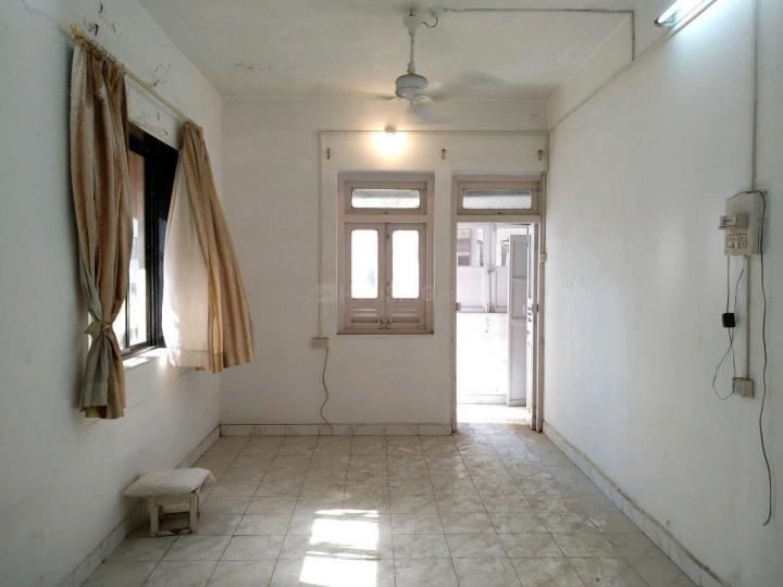 Living Room Image of 650 Sq.ft 1 BHK Apartment for buy in Colaba for 25000000