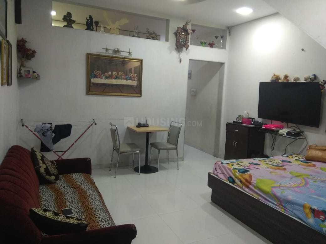 Living Room Image of 1000 Sq.ft 3 BHK Independent House for buy in Mulund West for 13500000