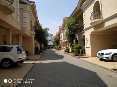 Gallery Cover Image of 4500 Sq.ft 5 BHK Villa for rent in Perungudi for 60000