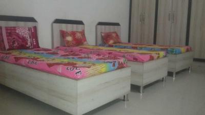 Bedroom Image of Royal PG in Kala Patthar