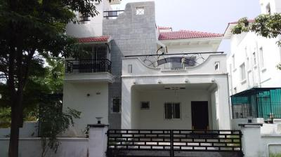 Gallery Cover Image of 3500 Sq.ft 4 BHK Villa for rent in Radha Maple Town, Bandlaguda Jagir for 35000