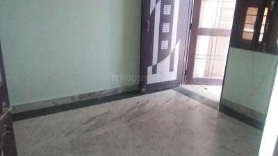Gallery Cover Image of 1000 Sq.ft 2 BHK Independent Floor for rent in Anand Vihar for 9000