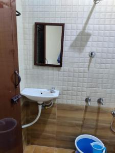 Bathroom Image of Raja Stays in Chromepet