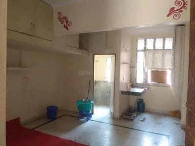Gallery Cover Image of 450 Sq.ft 1 BHK Independent Floor for rent in RWA Yamuna Vihar Block C1, Shahdara for 7500