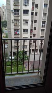 Gallery Cover Image of 650 Sq.ft 1 BHK Apartment for rent in Adani Aangan, Khodiyar for 10000