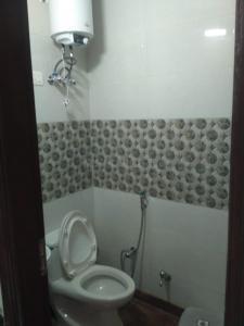 Bathroom Image of Many More Options in Karol Bagh