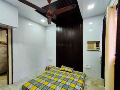 Gallery Cover Image of 500 Sq.ft 1 BHK Apartment for rent in Victory Blocks, Bandra West for 40000