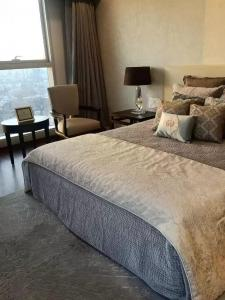 Gallery Cover Image of 1100 Sq.ft 2 BHK Apartment for rent in Kalpataru Gardens II, Kandivali East for 45000