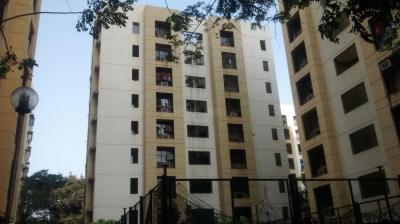Gallery Cover Image of 930 Sq.ft 2 BHK Apartment for rent in Mulund West for 36000
