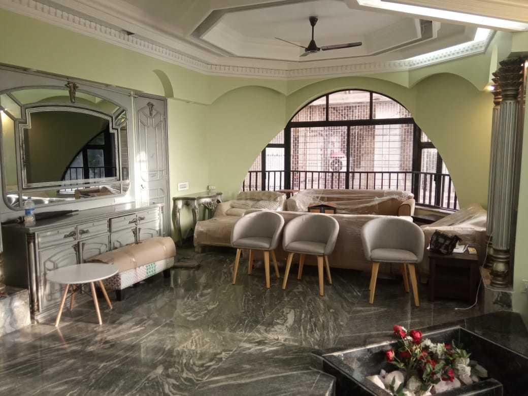 Living Room Image of 2800 Sq.ft 3 BHK Apartment for rent in Agripada for 200000
