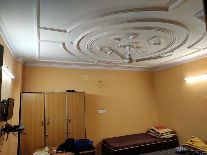 कालकाजी में अभिषेक पीजी के बेडरूम की तस्वीर