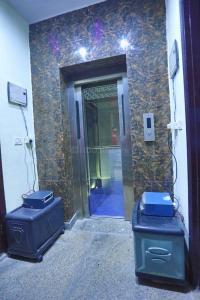 Lift Image of Khwahish PG in Uttam Nagar
