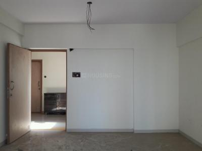 Gallery Cover Image of 1088 Sq.ft 2 BHK Apartment for buy in Kandivali West for 17000000