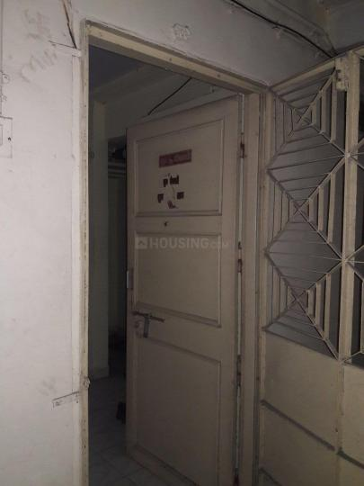 Main Entrance Image of 340 Sq.ft 1 RK Apartment for rent in Kandivali West for 12000
