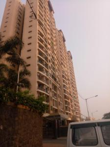 Gallery Cover Image of 1165 Sq.ft 2 BHK Apartment for rent in Malad East for 44000