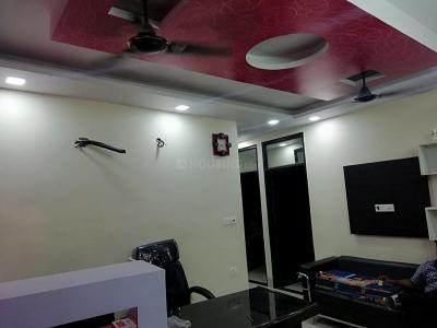 Gallery Cover Image of 890 Sq.ft 3 BHK Apartment for rent in Nawada for 25000