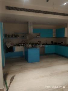 Gallery Cover Image of 5800 Sq.ft 5 BHK Apartment for rent in Mahagun Moderne, Sector 78 for 1010000