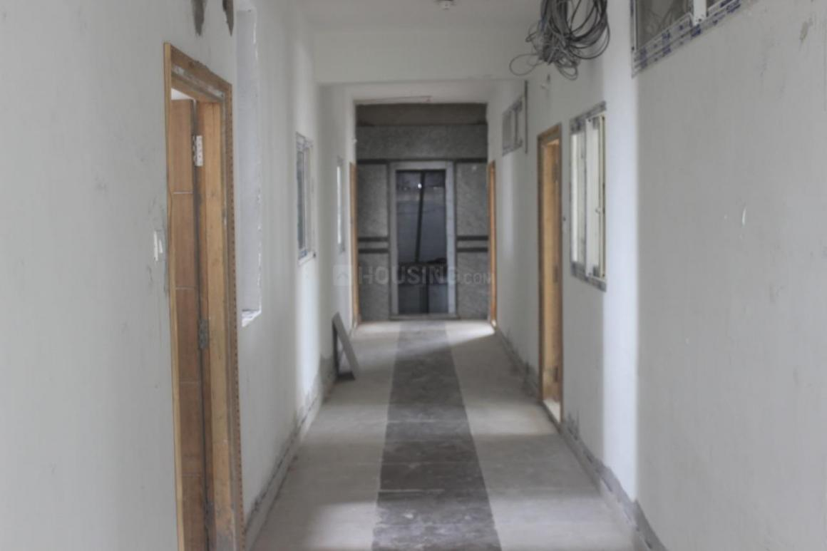 Passage Image of 525 Sq.ft 1 BHK Apartment for buy in Isnapur for 1680000