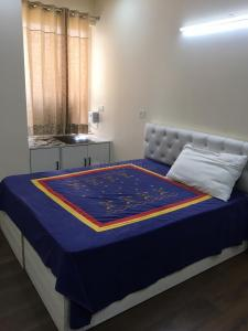 Gallery Cover Image of 2000 Sq.ft 3 BHK Apartment for rent in Omaxe Royal Residency, Sector 44 for 40000