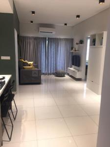 Gallery Cover Image of 594 Sq.ft 2 BHK Apartment for buy in Iconest 5, Parappana Agrahara for 4530322