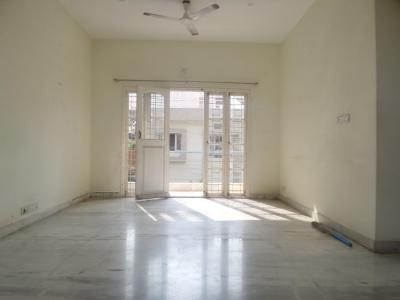 Gallery Cover Image of 1200 Sq.ft 2 BHK Apartment for rent in Ejipura for 32000