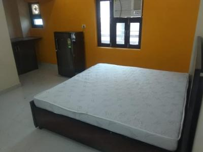 Gallery Cover Image of 325 Sq.ft 1 RK Independent Floor for rent in Sector 17 for 10000
