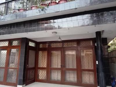 Gallery Cover Image of 1650 Sq.ft 2 BHK Independent Floor for rent in Defence Colony for 70000