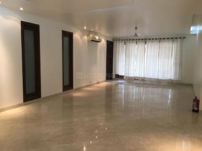 Gallery Cover Image of 2000 Sq.ft 3 BHK Apartment for rent in South Extension II for 80000