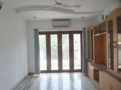 Gallery Cover Image of 1640 Sq.ft 3 BHK Apartment for buy in T Nagar for 22500000