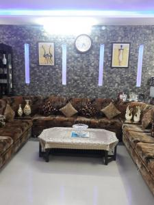 Gallery Cover Image of 1150 Sq.ft 2 BHK Apartment for buy in Brahmanwala for 5000000